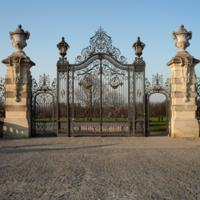 http://more.locloud.eu/content/pol_mayer/france/PM_071394_F_Champs_sur_Marne.jpg